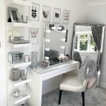 40 Beautiful Make Up Room Ideas In Your Bedroom (11)
