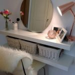 40 Beautiful Make Up Room Ideas in Your Bedroom (13)
