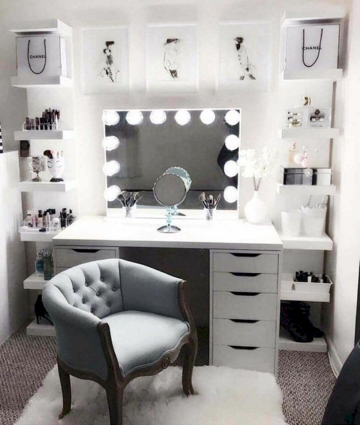 40 Beautiful Make Up Room Ideas in Your Bedroom (16)