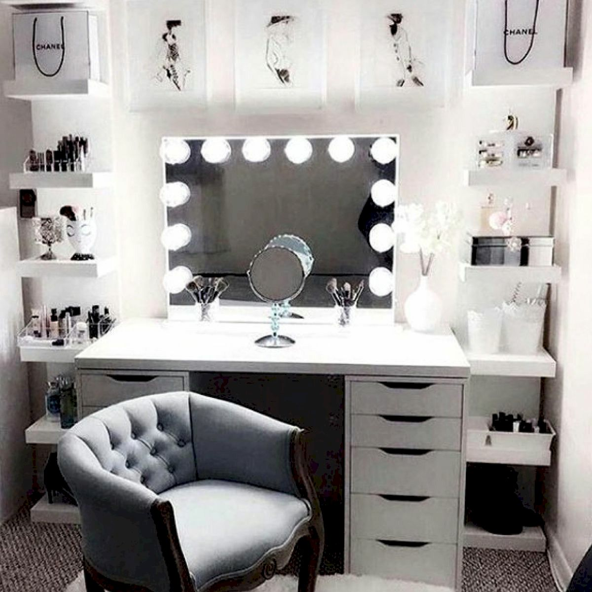 40 Beautiful Make Up Room Ideas in Your Bedroom (29)