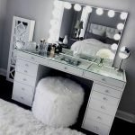 40 Beautiful Make Up Room Ideas in Your Bedroom (34)