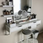 40 Beautiful Make Up Room Ideas in Your Bedroom (35)