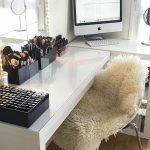 40 Beautiful Make Up Room Ideas In Your Bedroom (4)