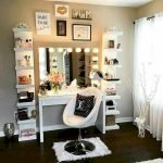 40 Beautiful Make Up Room Ideas in Your Bedroom (8)