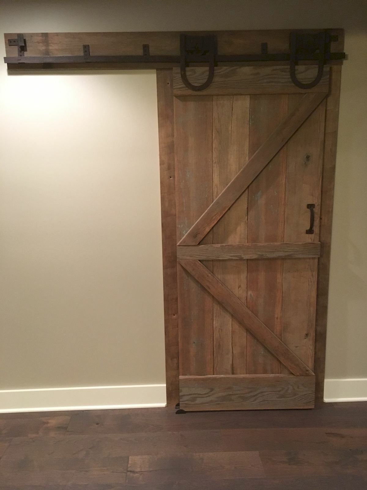 70 Rustic Home Decor Ideas for Doors and Windows (52)