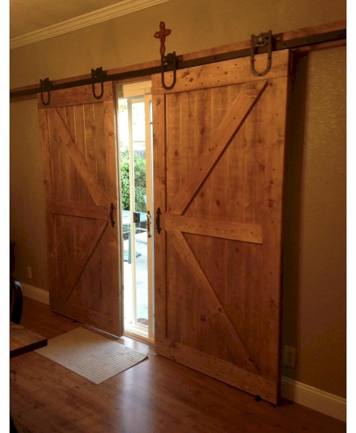70 Rustic Home Decor Ideas for Doors and Windows (53)