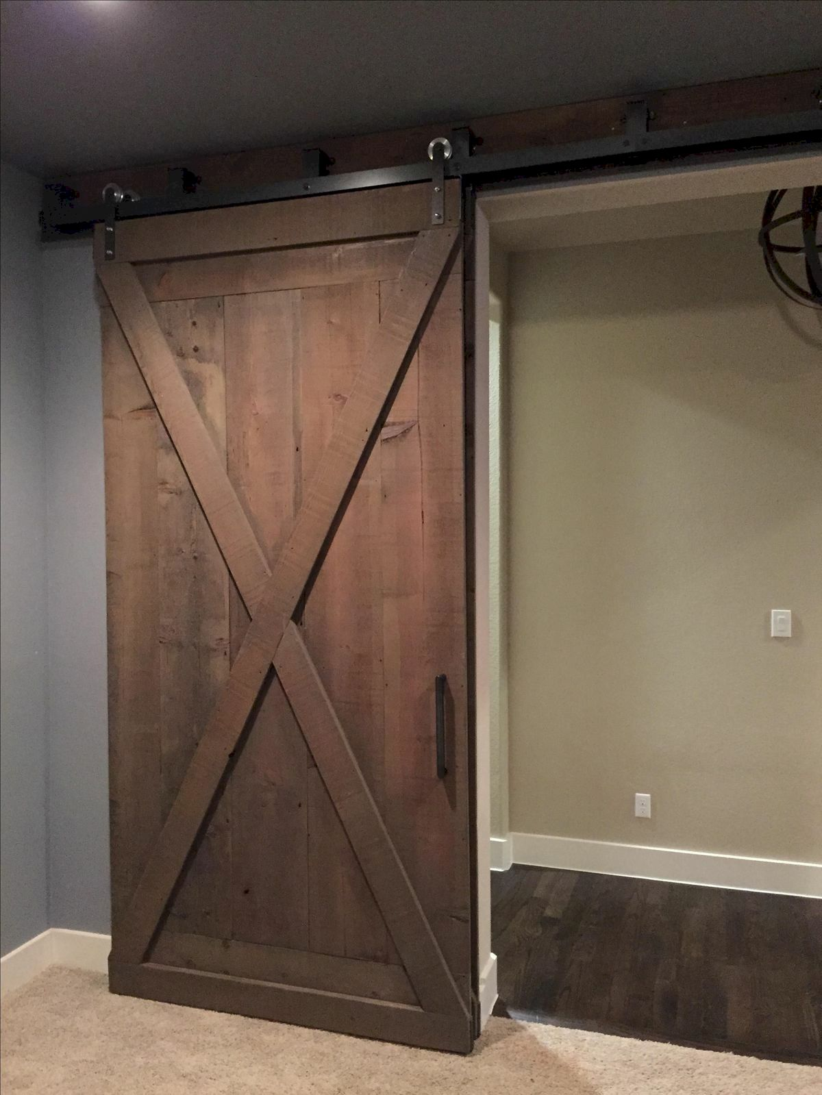 70 Rustic Home Decor Ideas for Doors and Windows (62)