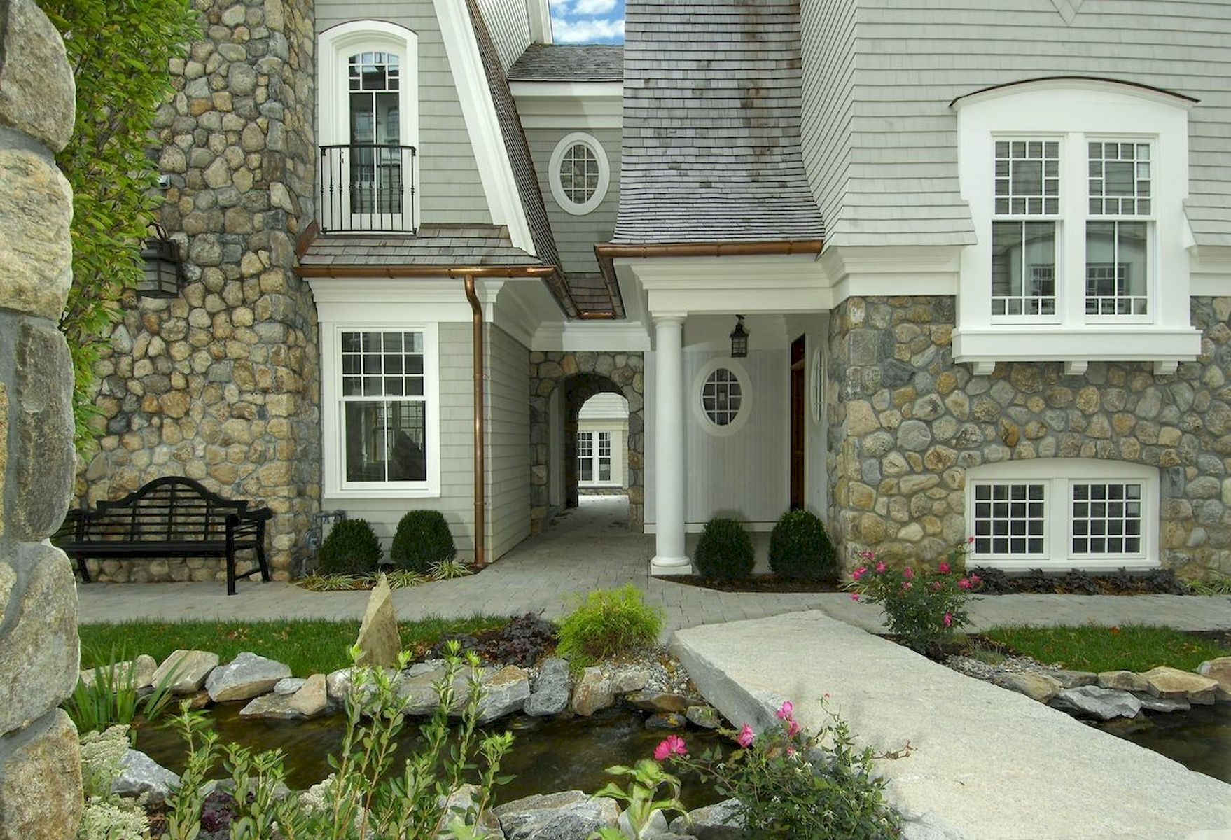 70 Stunning Exterior House Design Ideas (19)