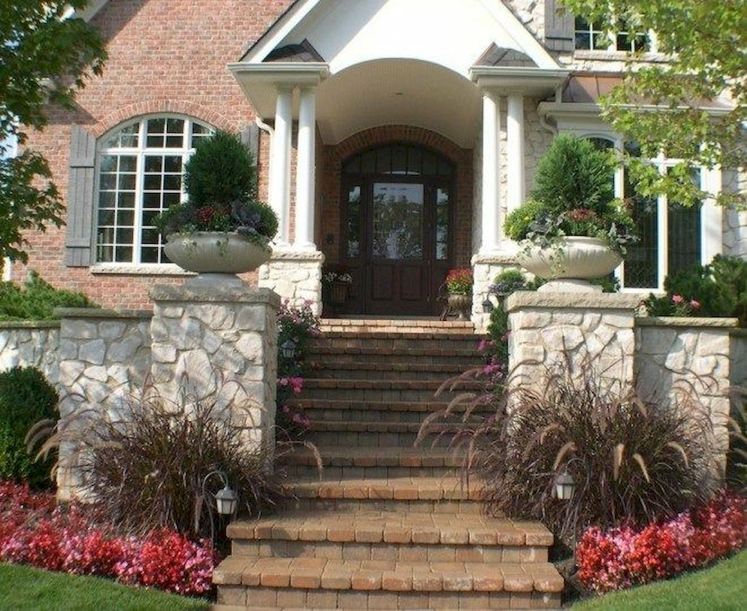 70 Stunning Exterior House Design Ideas (27)