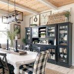 40 Adorable Farmhouse Dining Room Design And Decor Ideas (22)