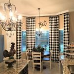 40 Adorable Farmhouse Dining Room Design and Decor Ideas (8)