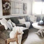 40+ Awesome Farmhouse Design Ideas For Living Room (1)