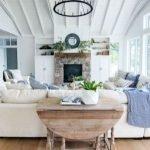 40+ Awesome Farmhouse Design Ideas For Living Room (14)