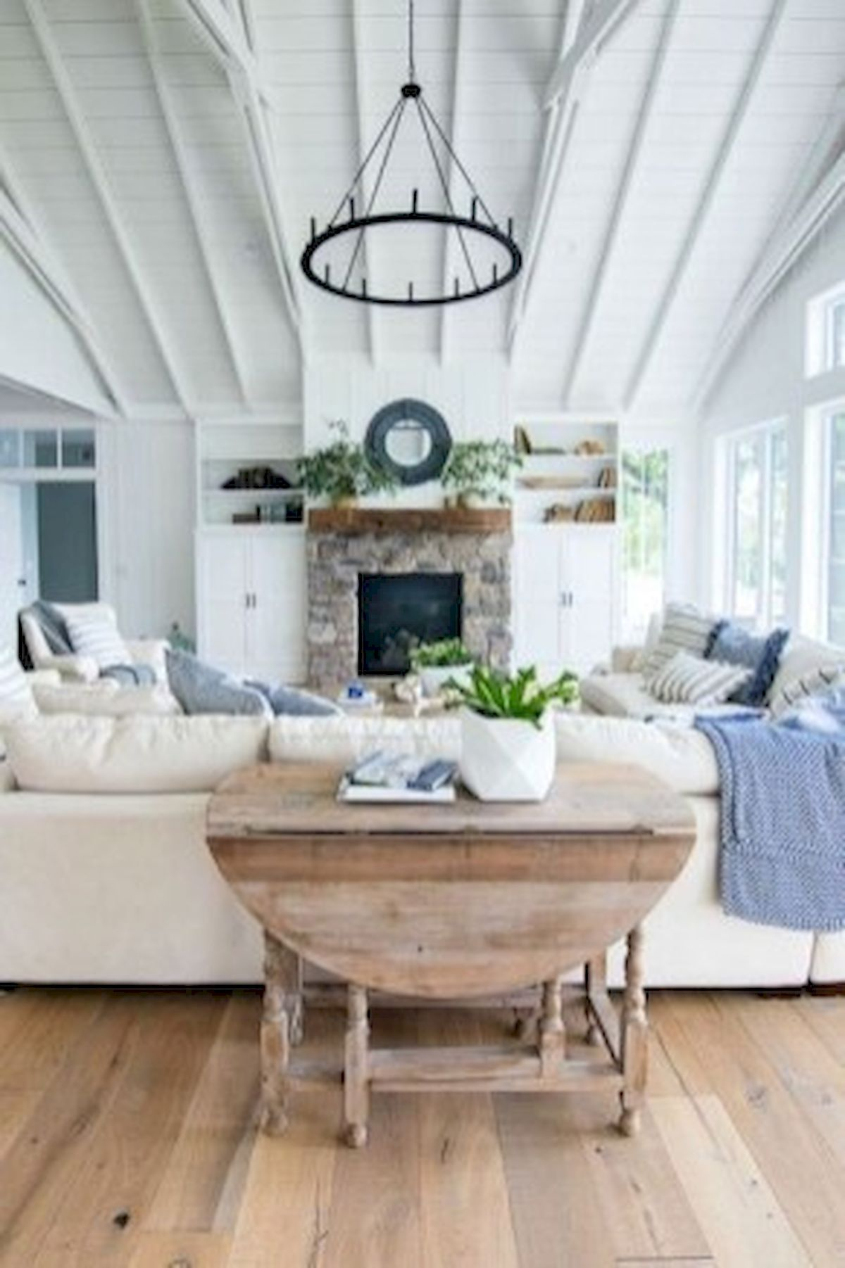 40+ Awesome Farmhouse Design Ideas For Living Room (14)