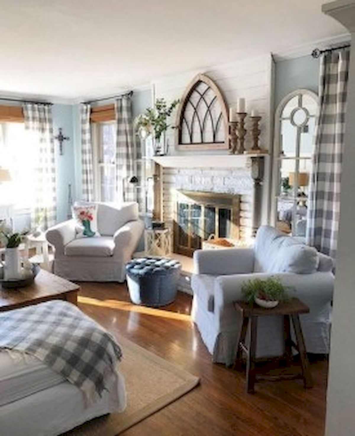 40+ Awesome Farmhouse Design Ideas For Living Room (36)