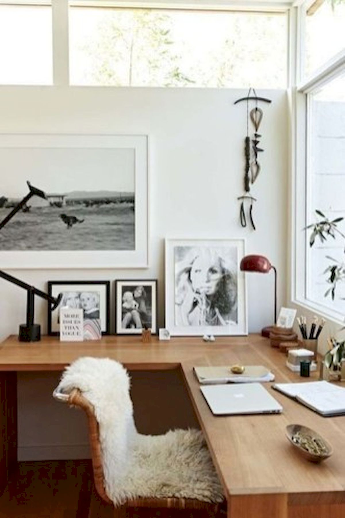 45 Adorable Home Office Decoration Ideas (33)