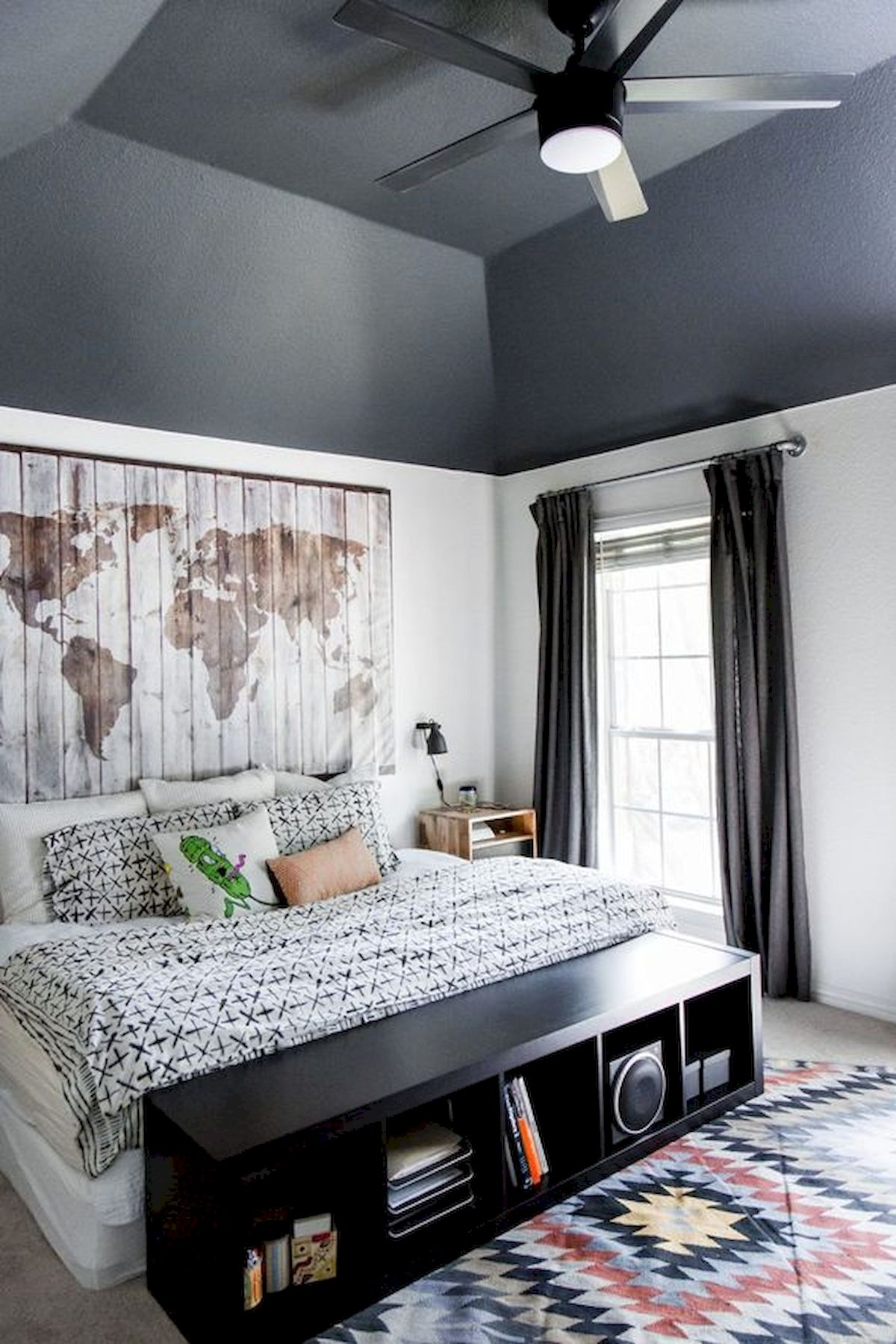 45 Cool Boys Bedroom Ideas to Try at Home (29)