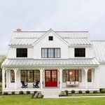 46 Awesome Farmhouse Home Exterior Design Ideas (23)