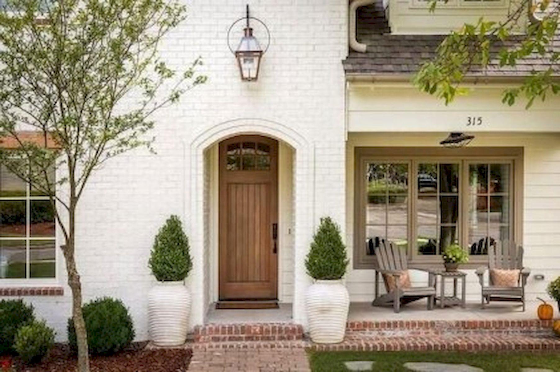 46 Awesome Farmhouse Home Exterior Design Ideas (44)