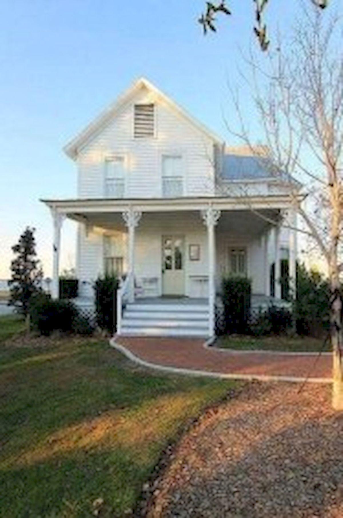 46 Awesome Farmhouse Home Exterior Design Ideas (8)