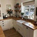 50 Cozy Farmhouse Kitchen Design and Decor Ideas (11)