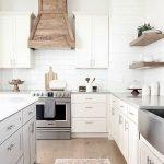 50 Cozy Farmhouse Kitchen Design and Decor Ideas (13)