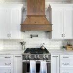 50 Cozy Farmhouse Kitchen Design and Decor Ideas (31)