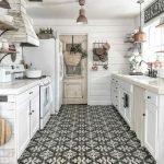 50 Cozy Farmhouse Kitchen Design and Decor Ideas (35)