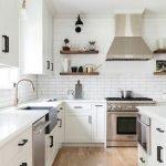 50 Cozy Farmhouse Kitchen Design and Decor Ideas (36)
