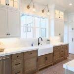 50 Cozy Farmhouse Kitchen Design and Decor Ideas (45)