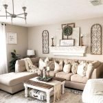 50 Cozy Farmhouse Living Room Design And Decor Ideas (18)