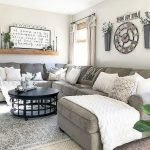 50 Cozy Farmhouse Living Room Design And Decor Ideas (21)