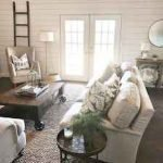 50 Cozy Farmhouse Living Room Design And Decor Ideas (27)