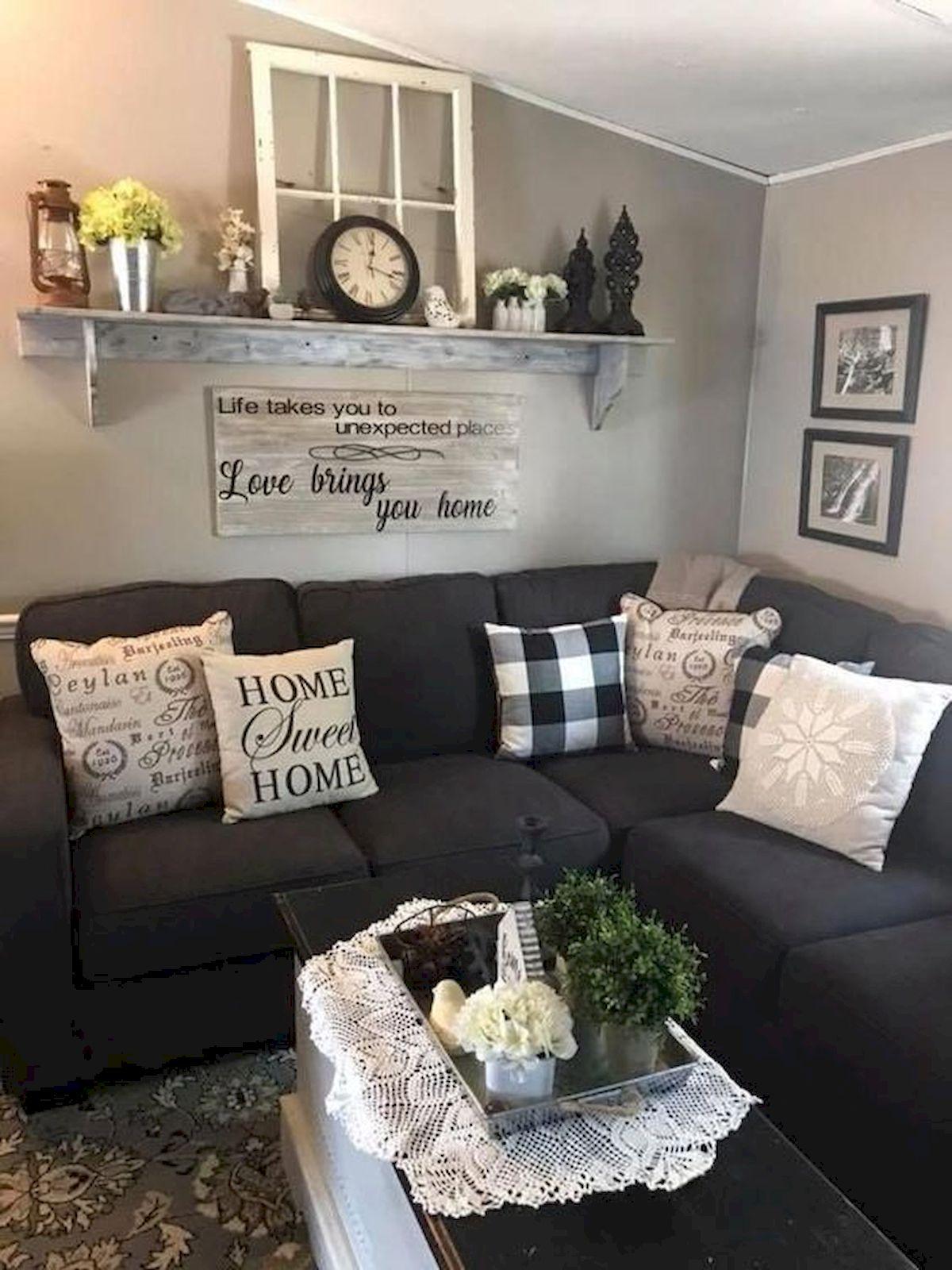 50 Cozy Farmhouse Living Room Design and Decor Ideas (33)