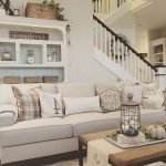 50 Cozy Farmhouse Living Room Design And Decor Ideas (37)