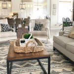 50 Cozy Farmhouse Living Room Design And Decor Ideas (38)