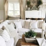 50 Cozy Farmhouse Living Room Design And Decor Ideas (4)