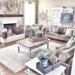 50 Cozy Farmhouse Living Room Design And Decor Ideas (41)
