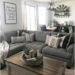 50 Cozy Farmhouse Living Room Design And Decor Ideas (48)