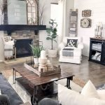 50 Cozy Farmhouse Living Room Design And Decor Ideas (6)
