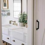 60 Stunning Farmhouse Bathroom Decor and Design Ideas (17)