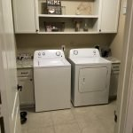 40 Cozy Laundry Room Design and Decor Ideas for Your Home (21)