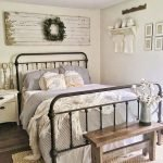 50 Awesome Wall Decor Ideas For Bedroom (16)