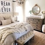 50 Awesome Wall Decor Ideas For Bedroom (21)