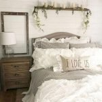 50 Awesome Wall Decor Ideas For Bedroom (26)