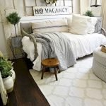 50 Awesome Wall Decor Ideas For Bedroom (28)