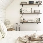 50 Awesome Wall Decor Ideas For Bedroom (32)