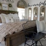 50 Awesome Wall Decor Ideas For Bedroom (43)