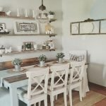 50 Awesome Wall Decoration Ideas For Dinning Room (42)