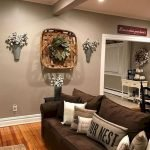 70 Awesome Wall Decoration Ideas For Living Room (44)